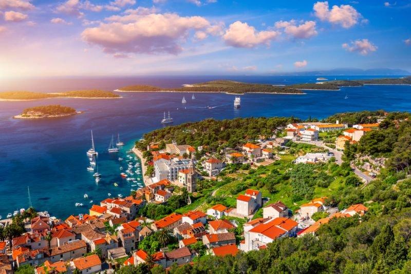 Hvar è una delle più affascinanti isole dell'Adriatico della Croazia.